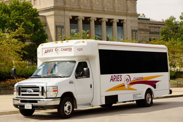 Chicago mini bus rental