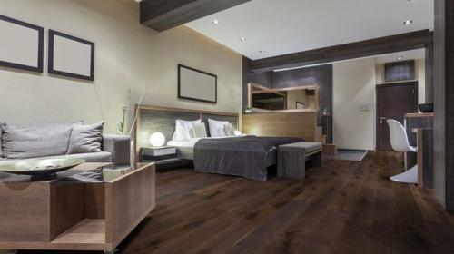 Altay Wide Plank Oak Bedroom