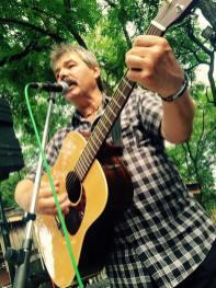Vlado Ulrich-gitara, spev