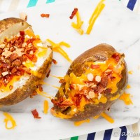 Greek Yogurt & Almond Loaded Baked Potatoes: + The secret to making the BEST baked potatoes!