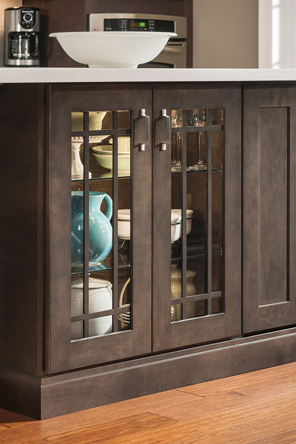 kitchen base cabinet end mullion doors - aristokraft cabinetry