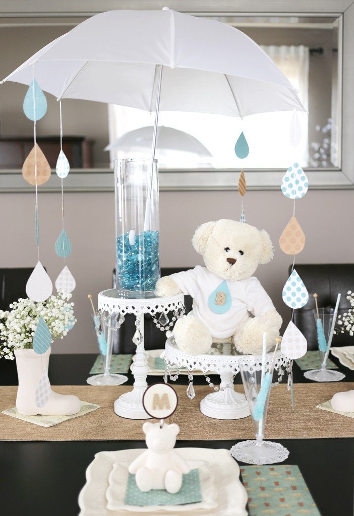 5 delightful umbrella decoration ideas to welcome the for Decor umbrellas
