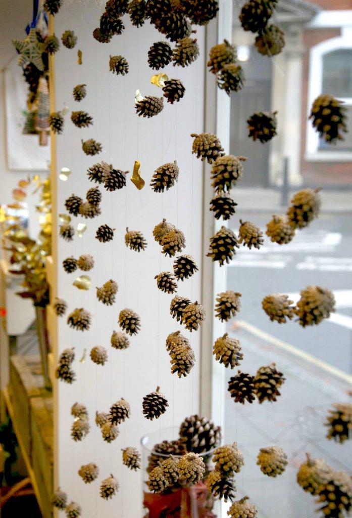 20 idées de décoration de Noël mignonnes et faciles - pommes de pin