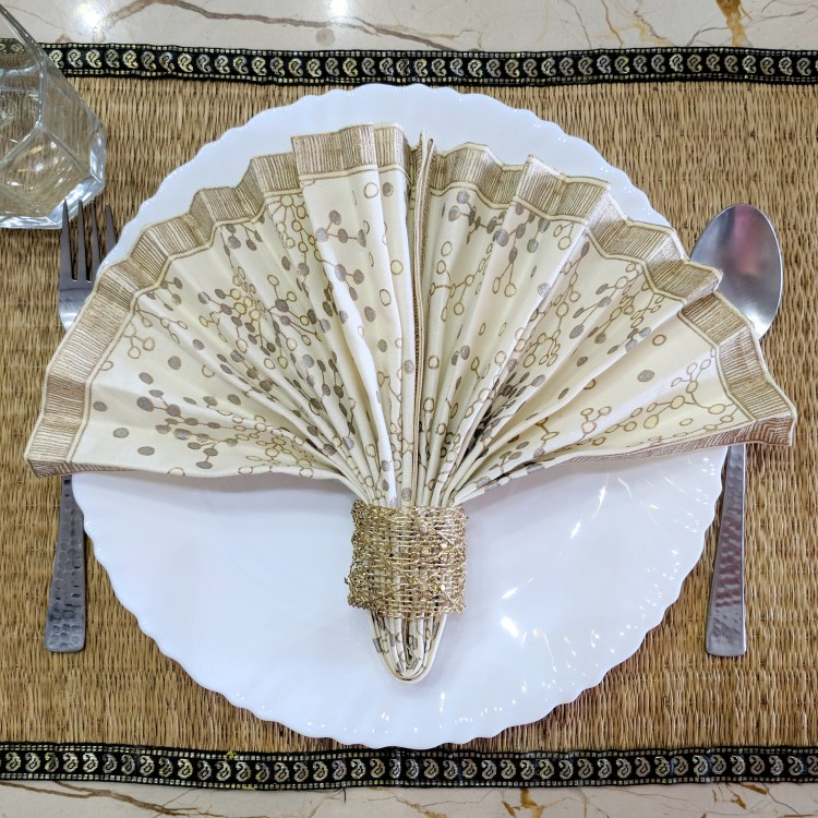 6 Easy Napkin Folding Ideas - A Folding Fan