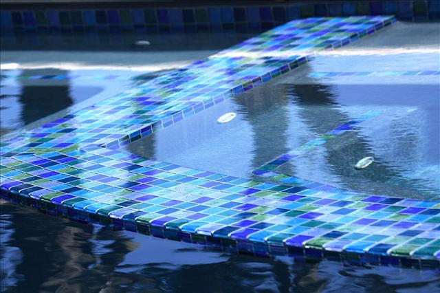 glass tile a popular trend in pool design