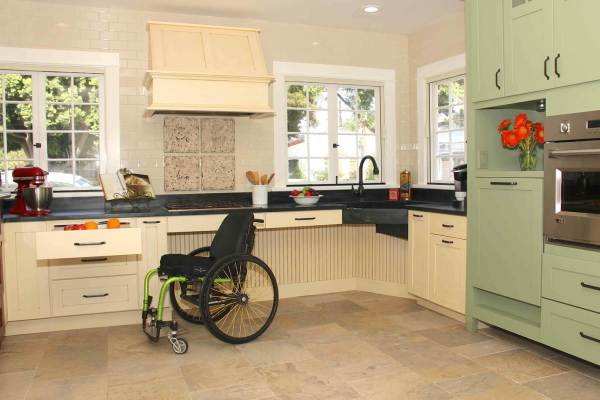 Wheelchair-Accessible Kitchen Design