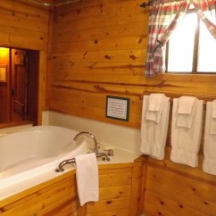 Kitchen Shutters Islands You Can Sit At The Honeymoon Cabin   Arizona Mountain Inn And Cabins ...