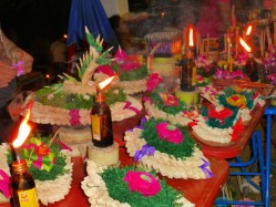 Loy Kratong - street food and Kratong