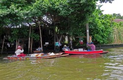 ark3_Thonburi klongs, floating market