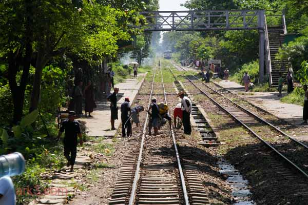 Yangon - Circle train