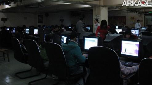 Tribuna Arkade: gamer morre em cyber café e ninguém repara!