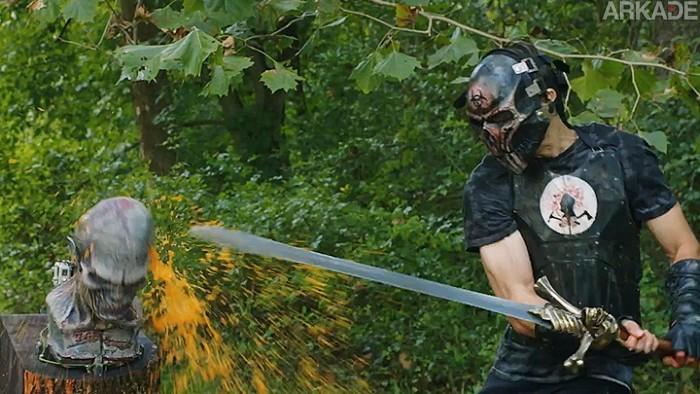 Ferreiros recriam a espada do Dante de Devil May Cry na vida real