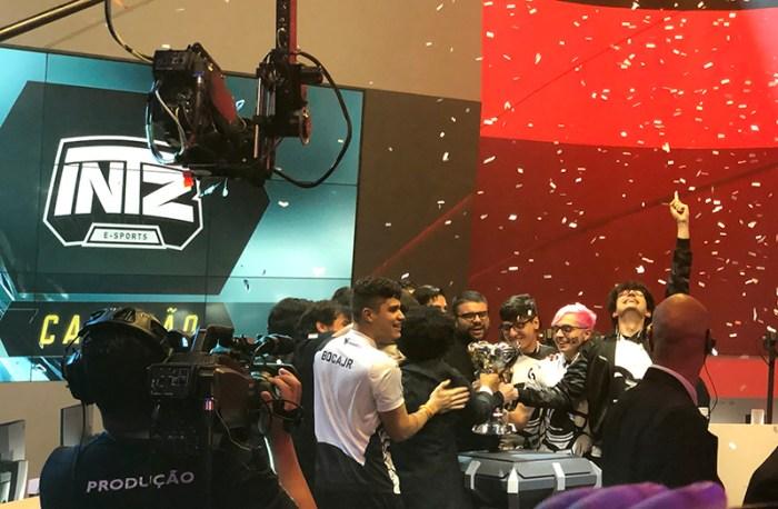 CBLoL 2019 - INTZ consegue uma incrível virada e fatura o título em cima do Flamengo