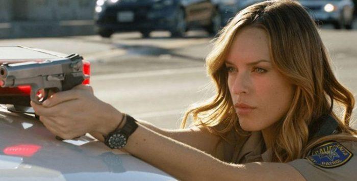 Jessica McNamee será Sonya e Josh Lawson viverá Kano no filme de Mortal Kombat