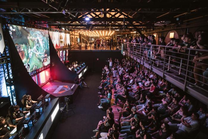 Pesquisa diz que fãs de eSports investem mais do que o restante dos brasileiros