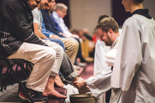 Holy Week 2018 parishes celebrate Easter Triduum