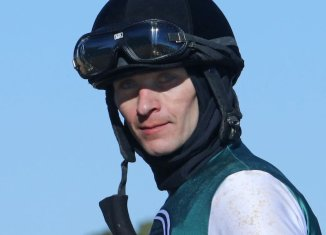 Jockey suspended for using whip on another rider in Hot Springs, Arkansas