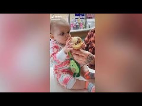 Watch: See baby's hilarious reaction to first taste of ice cream