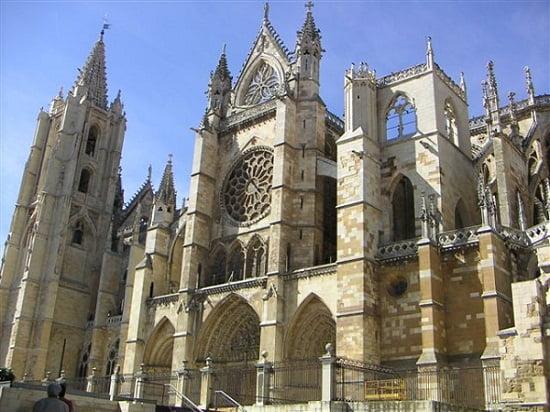 Catedral gótica de León en España