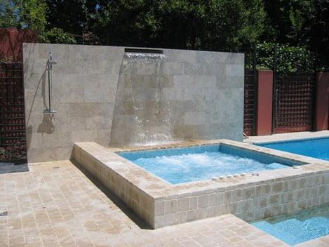 Tipos de piscinas arkiplus for Ideas de piscinas con cascadas