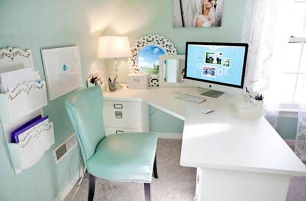 Oficinas modernas en casa arkiplus for Oficina moderna en casa