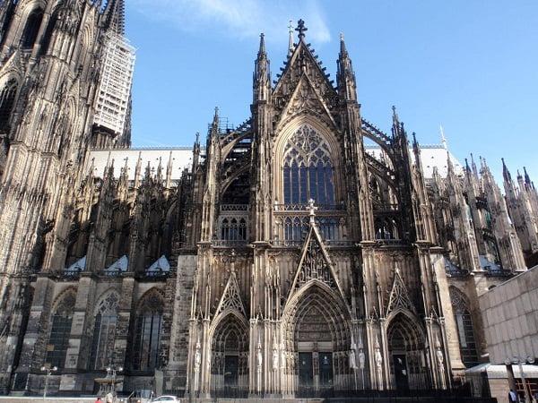 fachada-sur-catedral-de-colonia