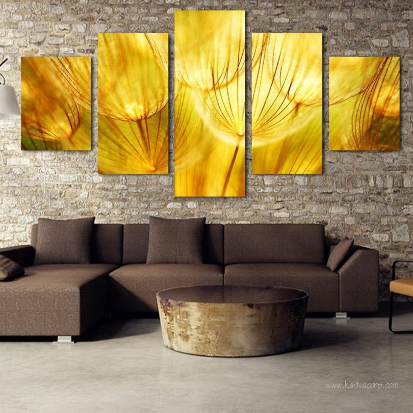 Hang Wall Art, Hang Art work on wall, how to #hang #wallart without nails, how to hang art gallery style, how to arrange wall art, hanging art from ceiling, hanging wall art ideas, how to hang multiple pictures on wall, proper height to hang pictures on wall, how to hang #artwork, hang art work,