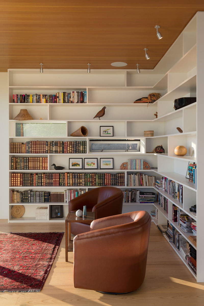 Modern Architecture of the Bailer Hill House by Prentiss+Balance+Wickline 13