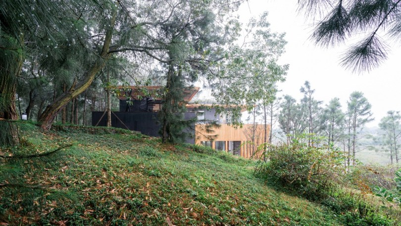 mud and wood houses, wooden house design in india,