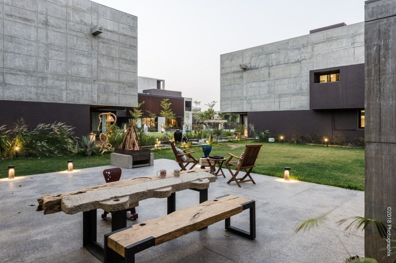 indian small house designs photos, house design image gallery, house front design pictures, front design of house in small budget, Ahmedabad, elevation, Facade,