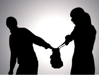 Suspect steals purses 02.14.18_1518645848406.PNG.jpg
