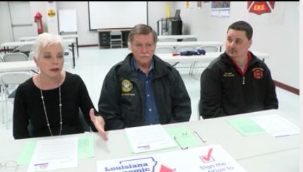 (l-r) Lea Stroud, Haughton Mayor Jack Hicks and Haughton Fire Chief Jimmy Holland