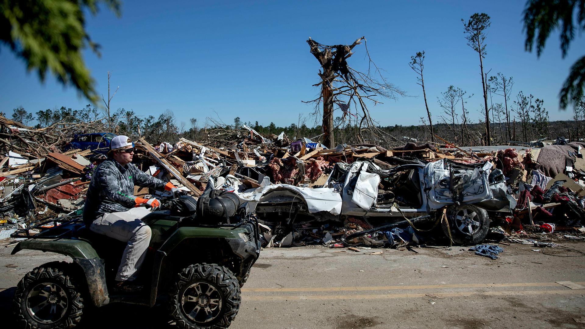 alabama tornado ap images_1551807052763.jpg-873772846.jpg