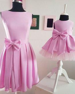 Комплект еднакви рокли за майка и дъщеря с панделки