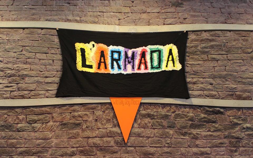 Photo - banderole L'Armada en papier crépon