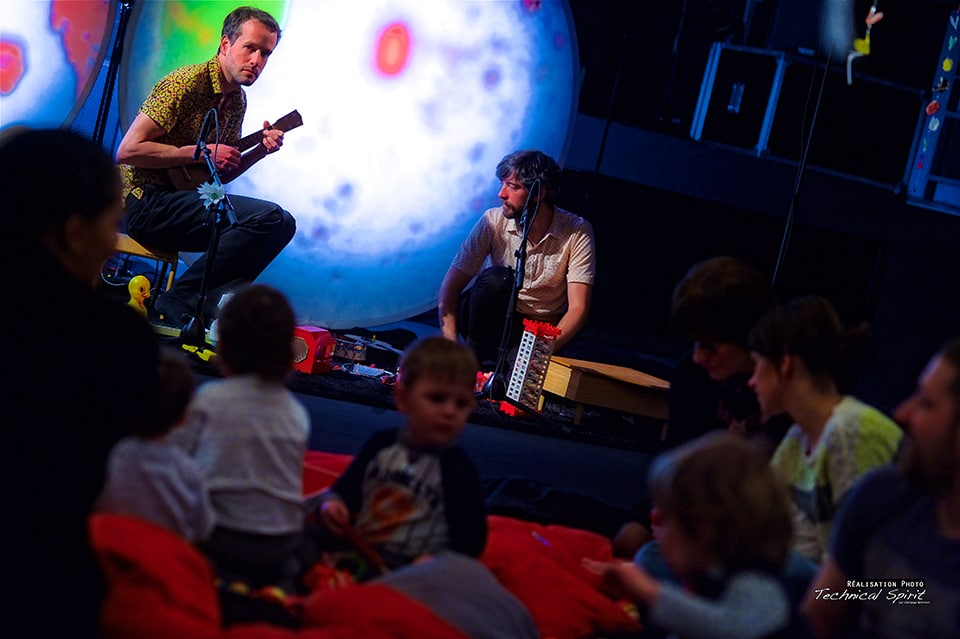 Photo de Chapi Chapo et les petites musiques de pluie sur scène