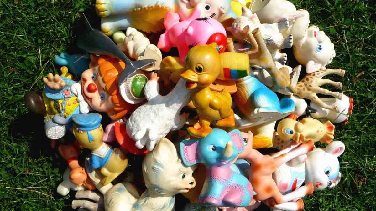 Tas de jouets