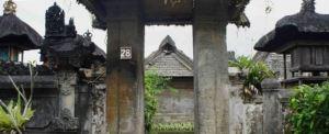 Outbound Bali Desa Pengelipuran Bangli Angkul-angkul