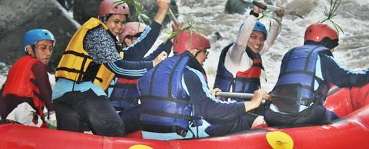 Outing Bali Perahu Rafting Ayung
