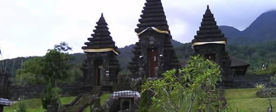 Adventure Bogor Gunung Salak Temple