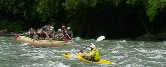 Arung Jeram Rafting