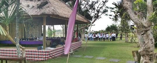 Outbound di Bali Makan Siang di Ubud Camp