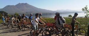 Paket Cycling di Bali Tepi Danau Volcano