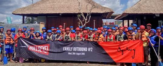 Contoh Tema Gathering Team Building dan Rafting - G200519