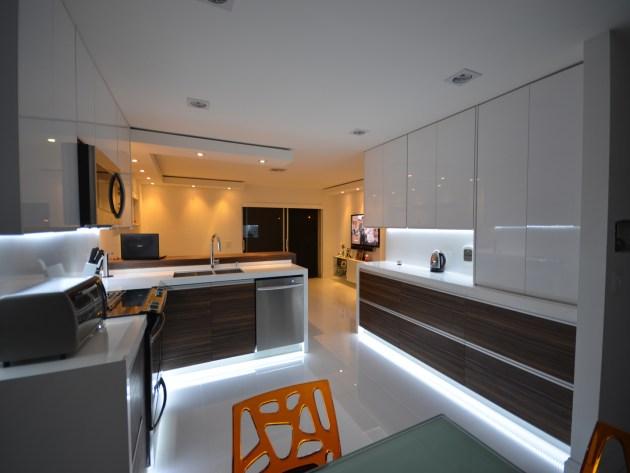 Contemporary-Kitchen-Miami-47