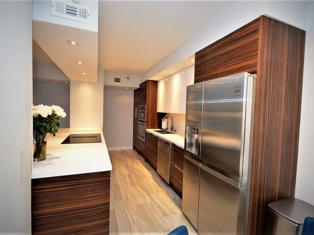 Contemporary-Kitchen-Miami-37