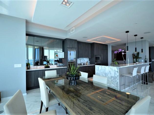 Contemporary-Kitchen-Miami-29