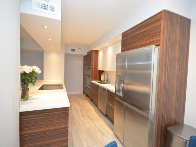 Contemporary-Kitchen-Miami-09
