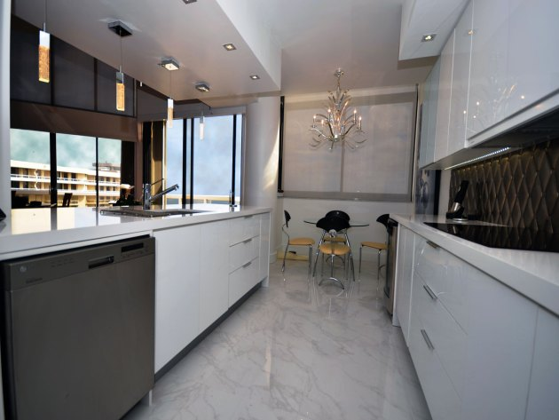 Contemporary-Kitchen-Miami-45