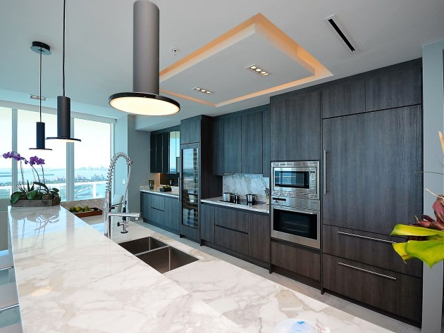 Contemporary-Kitchen-Miami-32